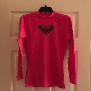 Roxy women's rash guard. Fuchsia pink. size small